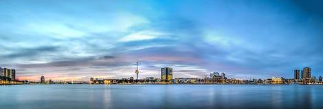 Nieuwe Maas rzeki panorama zdjęcia stock