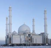 Nieuwe moskee in Astana Stock Afbeeldingen