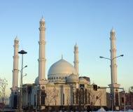 Nieuwe moskee in Astana, die in 2011 wordt geopend Stock Foto's