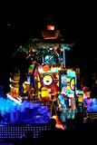 Nieuwe revolutionaire nachtparade van de UNIVERSELE PARADE van de SCHOUWSPELnacht Stock Foto's