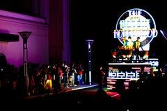 Nieuwe revolutionaire nachtparade van de UNIVERSELE PARADE van de SCHOUWSPELnacht Stock Afbeelding
