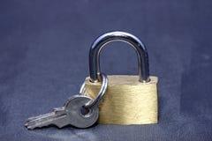 Nieuwe slot en sleutel Stock Afbeeldingen