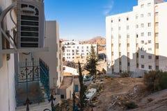Nieuwe stedelijke huizen in Wadi Musa-stad in de winter Royalty-vrije Stock Afbeelding