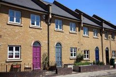 Nieuwe terrasvormige huizen Royalty-vrije Stock Afbeeldingen