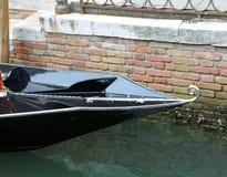 Nieuwe vorm zoals een krul van de boog van gondel in Venetië in Italië royalty-vrije stock afbeelding