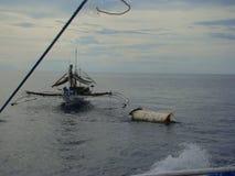Nieuwighedenpayaos door de artisanale handlijnvisserij wordt gebruikt voor geelvintonijn in de Filippijnen die royalty-vrije stock fotografie