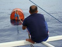 Nieuwighedenpayaos door de artisanale handlijnvisserij wordt gebruikt voor geelvintonijn in de Filippijnen die royalty-vrije stock afbeeldingen