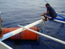 Nieuwighedenpayaos door de artisanale handlijnvisserij wordt gebruikt voor geelvintonijn in de Filippijnen die stock afbeeldingen