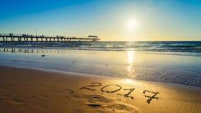 Nieuwjaar 2017 aantal op zand Royalty-vrije Stock Foto's