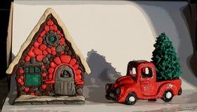 Nieuwjaar, Bestelwagen met Kerstboom dichtbij het huis royalty-vrije stock fotografie