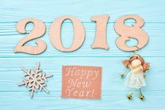 Nieuwjaar 2018 blauwe houten achtergrond Stock Foto