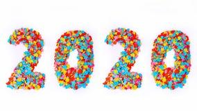 Nieuwjaar - Confettiennummer 2020 - op witte achtergrond worden geïsoleerd die Stock Foto