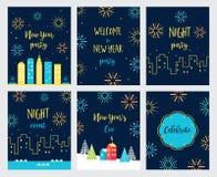 Nieuwjaar Eve Fireworks Celebration Geplaatste kaarten en Uitnodigingen Vector ontwerp Royalty-vrije Stock Afbeeldingen