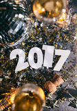2017 nieuwjaar ` s Eve Grunge Background With Champagne en Cork Royalty-vrije Stock Afbeelding