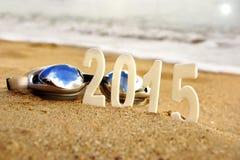 2015 nieuwjaaraantallen op het overzeese strand Stock Afbeelding