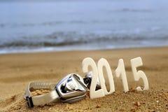 2015 nieuwjaaraantallen op het overzeese strand Stock Fotografie