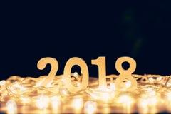 Nieuwjaarconcept voor 2018: Houten nummer 2018 op houten lijstbovenkant Stock Foto