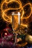 Nieuwjaarskaart met champagne Stock Foto's