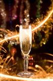 Nieuwjaarskaart met champagne Stock Foto
