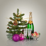 Nieuwjaarskaartontwerp met Champagne. Kerstmisscène. Viering Royalty-vrije Stock Afbeelding