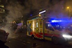 2015 nieuwjaarvieringen en een ziekenwagen bij het vierkant van Wenceslas, Praag Royalty-vrije Stock Afbeeldingen