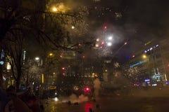 2015 nieuwjaarvuurwerk en vieringen bij het vierkant van Wenceslas, Praag Stock Fotografie