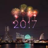2017 nieuwjaarvuurwerk over jachthavenbaai in Yokohama-Stad, Japan Stock Foto