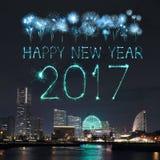 2017 nieuwjaarvuurwerk over jachthavenbaai in Yokohama-Stad, Japan Stock Fotografie