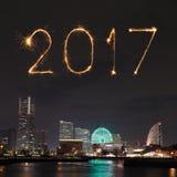 2017 nieuwjaarvuurwerk over jachthavenbaai in Yokohama-Stad, Japan Stock Afbeeldingen