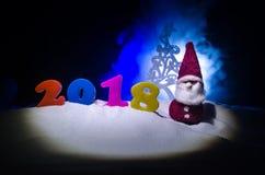 Nieuwjaren van de Achtergrond vooravondviering met nieuwe jaarelementen of symbolen Decoratie voor groetkaart Gelukkig Nieuwjaar  Stock Foto
