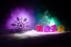 Nieuwjaren van de Achtergrond vooravondviering met nieuwe jaarelementen of symbolen Decoratie voor groetkaart Gelukkig Nieuwjaar  Stock Afbeelding