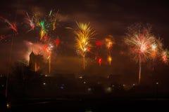 Nieuwjaren vooravond met vuurwerk royalty-vrije stock foto