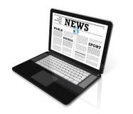 Nieuws op een laptop computer die op wit wordt geïsoleerdn Stock Foto
