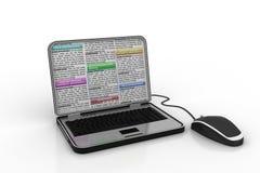Nieuwsdocument in laptop Stock Afbeeldingen