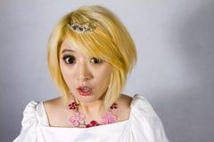 Nieuwsgierig Chinees meisje Stock Foto's