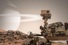Nieuwsgierigheid Mars die Rover de oppervlakte van rode planeet onderzoeken stock afbeelding