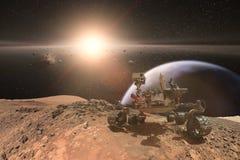 Nieuwsgierigheid Mars die Rover de oppervlakte van rode planeet onderzoeken stock foto