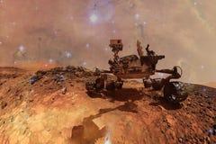 Nieuwsgierigheidsmars rover die de oppervlakteplaneet van Mars onderzoeken royalty-vrije illustratie