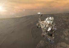 Nieuwsgierigheidszwerver die de oppervlakte van Mars onderzoeken Retoucheerd beeld Stock Foto