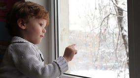 Nieve afuera almacen de metraje de vídeo