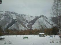 Nieve de las montañas imágenes de archivo libres de regalías