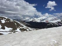 Nieve de las montañas rocosas Fotografía de archivo