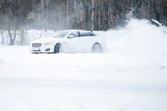 Nieve del espray de la deriva del coche Fotografía de archivo libre de regalías