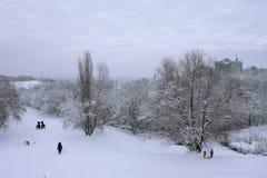 Nieve en la ciudad Fotos de archivo libres de regalías