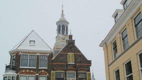 Nieve en la ciudad vieja almacen de video