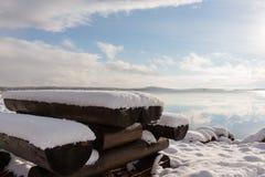 Nieve en la tabla Foto de archivo libre de regalías