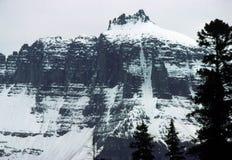 Nieve en las montañas fotos de archivo libres de regalías