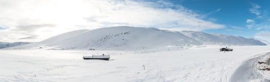Nieve en las montañas Imagen de archivo libre de regalías