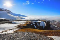 Nieve en las montañas de Ural en Rusia Foto de archivo libre de regalías