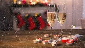 Nieve que cae con champán de la Navidad ilustración del vector